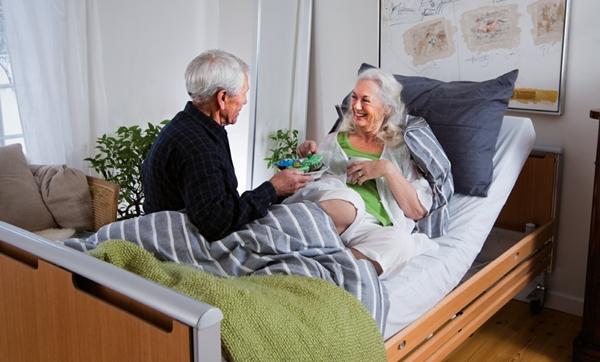 А уход за лежачими больными в домашних условиях