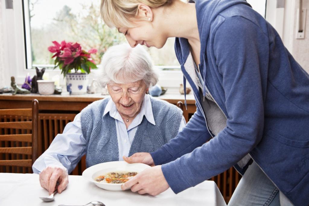 Патронаж престарелых